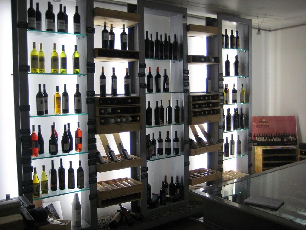 La Contra Wine Shop