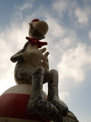 Cat in the Hat (alexandra lugagne) Tags: brussels drseuss catinthehat balloonparade