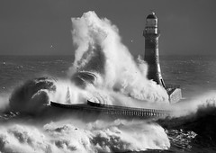 Roker-lighthouse mono (jonboy24/7) Tags: sea lighthouse pier wave blackdiamond kartpostal mywinners platinumheartaward flickraward yourbestblackandwhite
