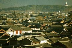 Dayan (toeytoeytoeytoeytoey) Tags: china old travel winter town asia tibet shangrila lijiang