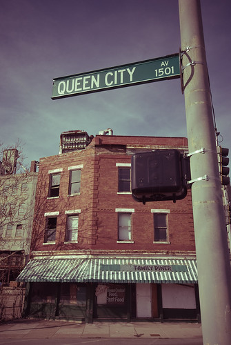 Queen City Ave / Family Diner