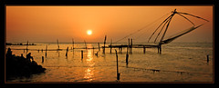 Sunset Fishing (Andy Bracey -) Tags: travel sunset sun india water fishing kerala cochin chinesefishingnets fishingnets fortcochin bracey aplusphoto andybracey