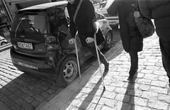 (Monsieur Marchi) Tags: bw sweden stockholm 800 hornsgatan kodaktrix400 cruches oneleggedwoman konicaft1motor 28mmf35hexar