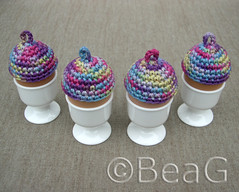 More Egg Hats (Meer Eiermutsjes) (Made by BeaG) Tags: original hat easter creativity design cozy spring colorful artist purple belgium designer handmade unique oneofakind ooak kunst crochet egg belgi yarn creation cotton cover eggs variegated colourful crocheted unica eastereggs unicum easterdecoration beag setof4 kunstenares uniquedesign ontwerpster originaldesigner creativedesigner easteregghats egghats eiermutsjes designedandmadebybeag uniekontwerp ontworpenengemaaktdoorbeag