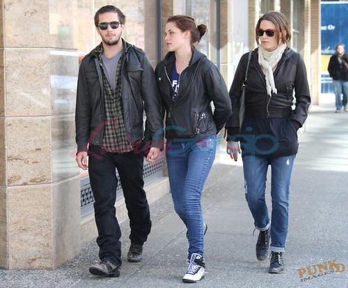 kristen stewart and michael angarano. Kristen Stewart with her