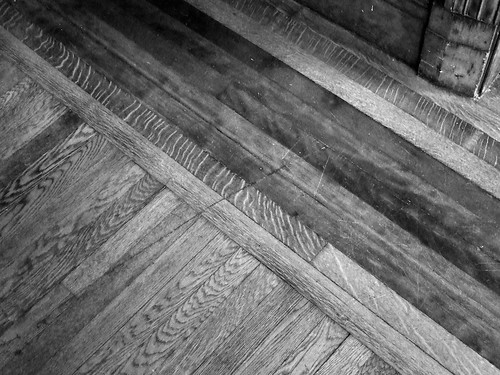 Hardwood floor/Piso madero by Simba tango, on Flickr