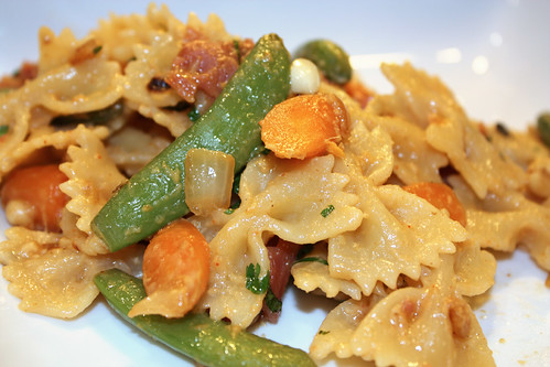 Peanut Pasta with Peas and Carrots