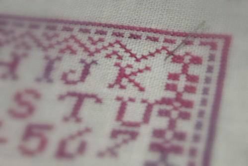 BBD. Petites Lettres Rouges. detail