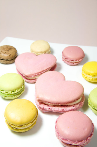 Macarons, Pierre Hermé collaborated with Emanuel Ungaro, Shinjuku Isetan