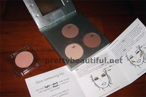 stila contouring kit, eyeshadow in bouquet