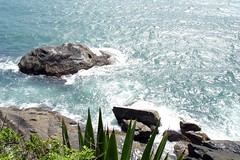 Litoral Catarinense (Bruna Maurer) Tags: praia mar portobelo santacatarina litoral bombinhas