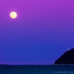 Speak To Me... (Rex Maximilian) Tags: ocean sea sky lighthouse beach clouds hawaii waves oahu fullmoon moonrise shore waimanalo windward vog rabbitisland makapuupoint mananaisland