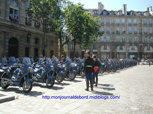 Groupement Motocycliste Gendarmerie 2