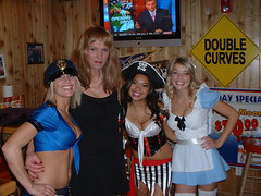 Susan-at-Hooters (susanmiller64) Tags: susan hooters crossdressing tgirl transgender crossdresser crossdress gurl tg susanmiller hootergirls hootersportland