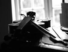 the teacher´s violin (litla) Tags: old school blackandwhite bw teacher violin freilichtmuseum schule violine geige molfsee lehrerpult teacher´sdesk