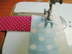 046 (super_ziper) Tags: flowers flores diy quilt sewing flor steps craft sew super bolinhas fabric patch dots patchwork tutorial pap maquina tecido ziper costura iniciantes passoapasso façavocêmesmo superziper divania