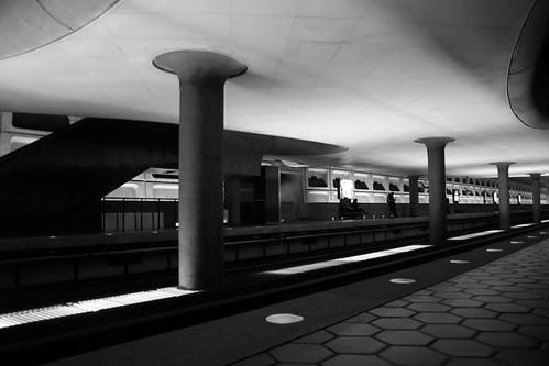 Clarendon Metro