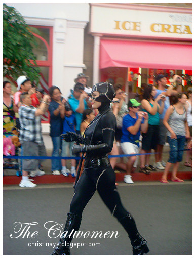 Warner Bros. Movie World: Catwomen