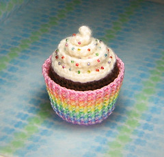 Amigurumi Cupcake Plush (stripeyblue) Tags: plush cupcake kawaii etsy amigurumi swirly frosting patttern