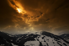 red mountain (Jan Linskens) Tags: sky mountain alps landscape austria oostenrijk alpen breathtaking landschap saalbach hinterglemm cokin saalbachhinterglemm flickrsbest aplusphoto janlinskens breathtakinggoldaward vanagram fotoclubvenray dragondaggerawards flickraward breathtakinghalloffame