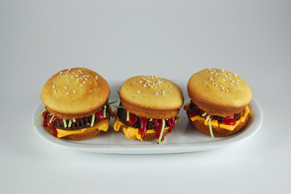 Hamburger Cupcakes 02
