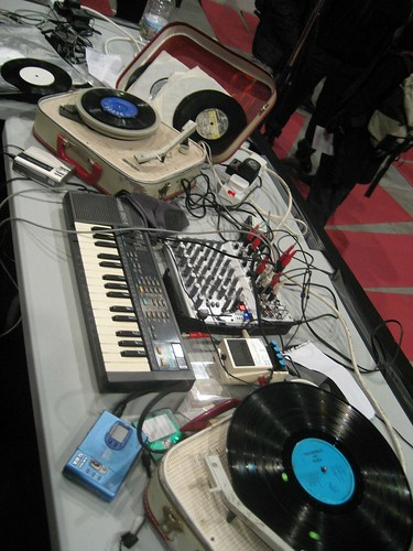 Phillip Jeck's table of musical wonders at 104, Paris