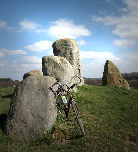 Eglinton Standing stones 27ay2Apr09