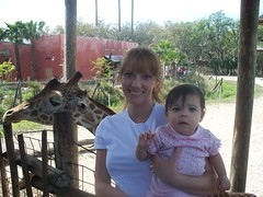 Mommy and Roxy (domagtoy_family_fun) Tags: isabel roxy stryker lowryparkzoo