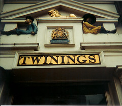 TWININGS ~ Flagship store London (AGA~mum) Tags: signs london tea twinings thestrand flagshipstore dieuetmondroit cityofwestminster twiningstea gradeiilisted royalcoatofarms ioenumber427845