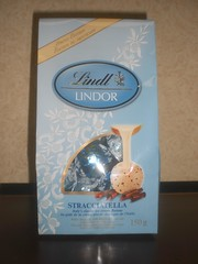 Lindt Lindor Stracciatella (Like_the_Grand_Canyon) Tags: travel white toronto ontario canada june candy sweet chocolate schokolade 2009 choco weisse schoki