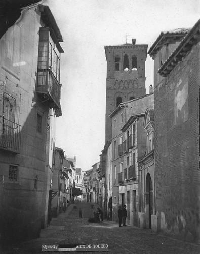 Calle de Santo Tomé (Toledo) en el siglo XIX. Fotografía de Casiano Alguacil