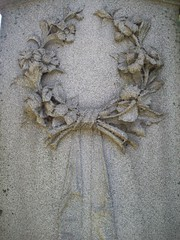 Wreath (chicalookate) Tags: cemetery detroit wreath woodlawn