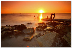 Bokeh when sunset (SHAZRAL) Tags: sunset sea seascape beach rock canon eos bokeh laut wide batu pantai remis tokina1224mmf4 450d azralfikri shazral