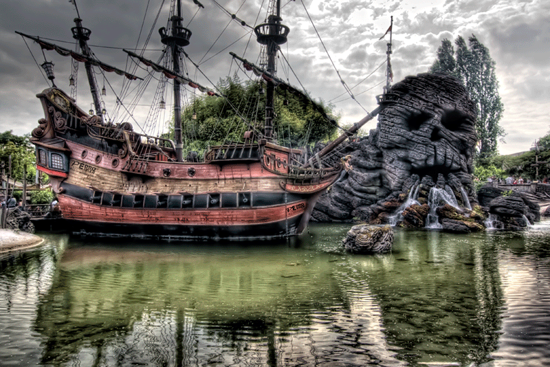 Disneyland Paris - Piratas del Caribe 02