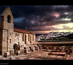 Coimbra (Gonzalo Dniz) Tags: santa clara sunset sol portugal ro de atardecer medieval universidad santaclara puesta arco coimbra vacaciones monasterio 2010 mondego