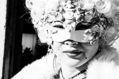 come una statua (Nicola Zuliani) Tags: venice carnevale venezia biancoenero maschere nizu nicolazuliani wwwnizuit