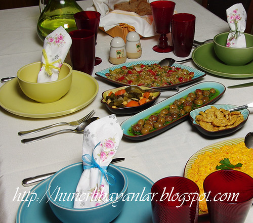 Fatoş-Gökhan Akşam Yemeği Sofrası