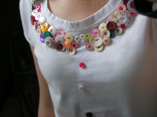 button t-shirt por pipnstuff.