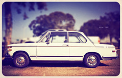 BMW 2002 (isayx3) Tags: park 2002 vintage nikon 28mm sigma retro bmw f18 d3