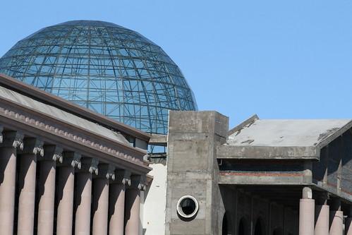 Manzhouli Reichstag (by niklausberger)