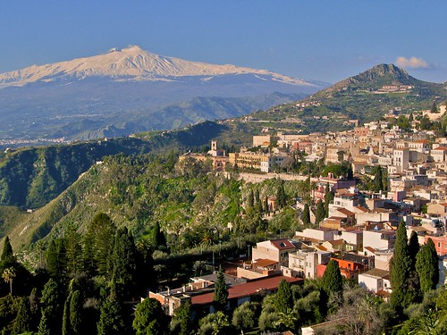 Taormina and Mt. Etna in Sicily por joe.routon.