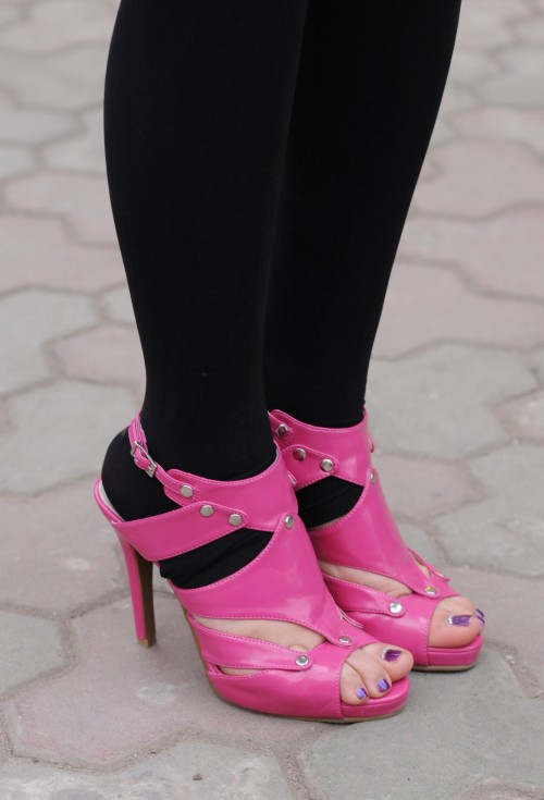 Pink (killer) shoes