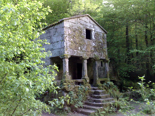 Casa Molino das Maquias. Zamans-Vigo por TeresalaLoba
