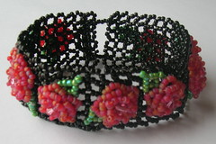 Rose Red Beaded Bracelet (fivefootfury) Tags: jewelry bracelet beaded beadweaving cuff roses redroses rosered etsydarkteam ebwteam netting dark gothic blackandred