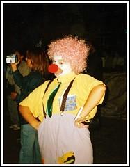 Cmo estn ustedeeeeeeees???? (Patataasada) Tags: party portrait funny colours fiesta retrato clown colores disfraz payaso risa ferias nariz divertido peluca payasos payasa berdn patataasada cmoestnustedes feriadeberdn