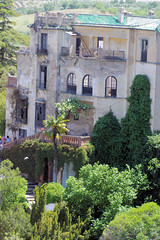 Ronda Mansion II (cwgoodroe) Tags: summer costa white hot sol beach del bells spain ancient europe churches sunny bull bullfighter adobe ronda moors walls washed clothesline protective newbridge roda bullring stonebridge oldbridge spainish whitehilltown rondah spanishdoors