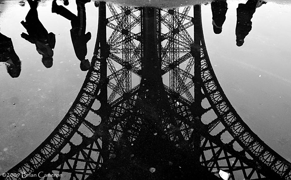 Les Piétons à la Tour Eiffel