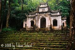 Want to pray? (sntssche) Tags: temple pagoda asia southeastasia religion vietnam southeast perfumepagoda chuahuong parfmpagode earthasia worldtrekker indiochina