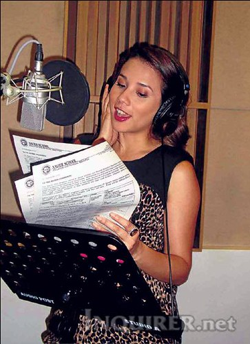 KARYLLE. Photo by Justin Irons, ABS-CBN (Courtesy of Philippine Daily Inquirer)