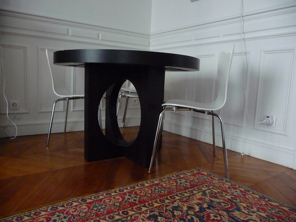 dining table & chairs lower view